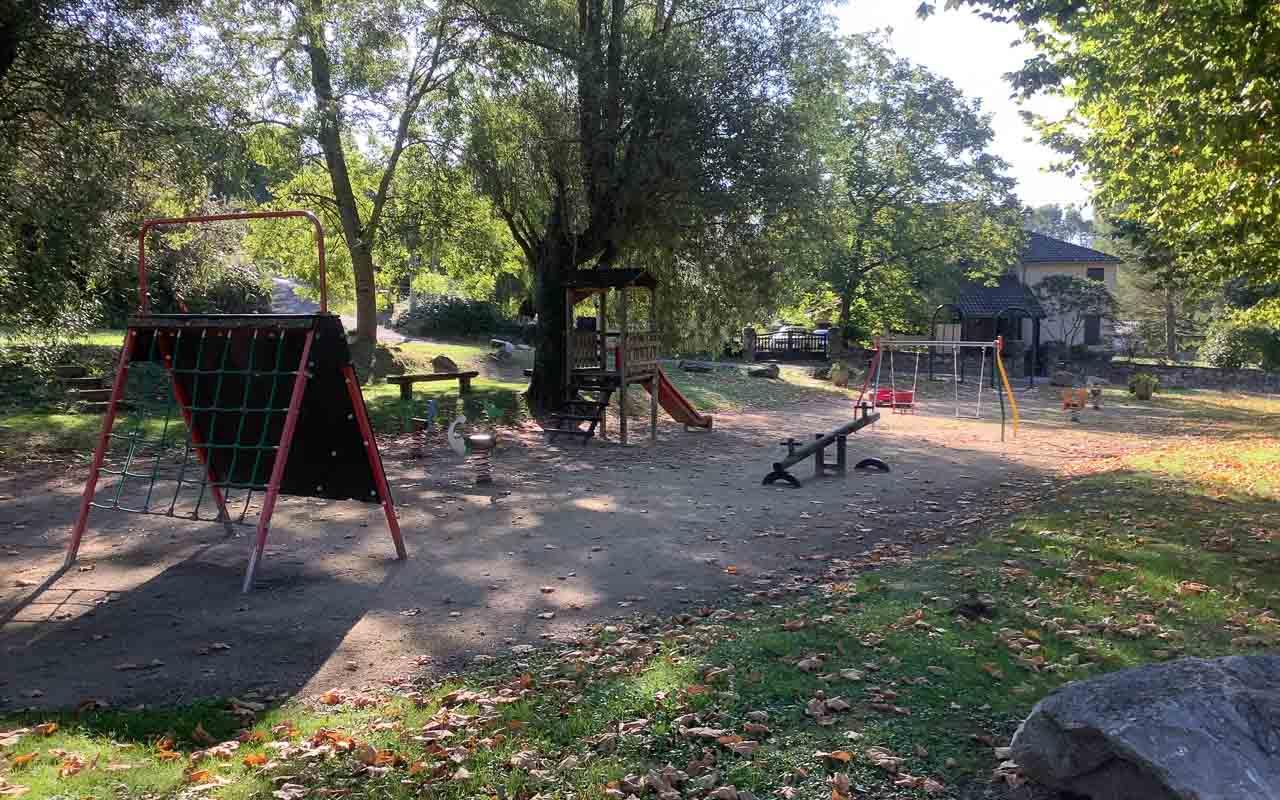 Photographie de l'aire de jeux pour les enfants de Surba